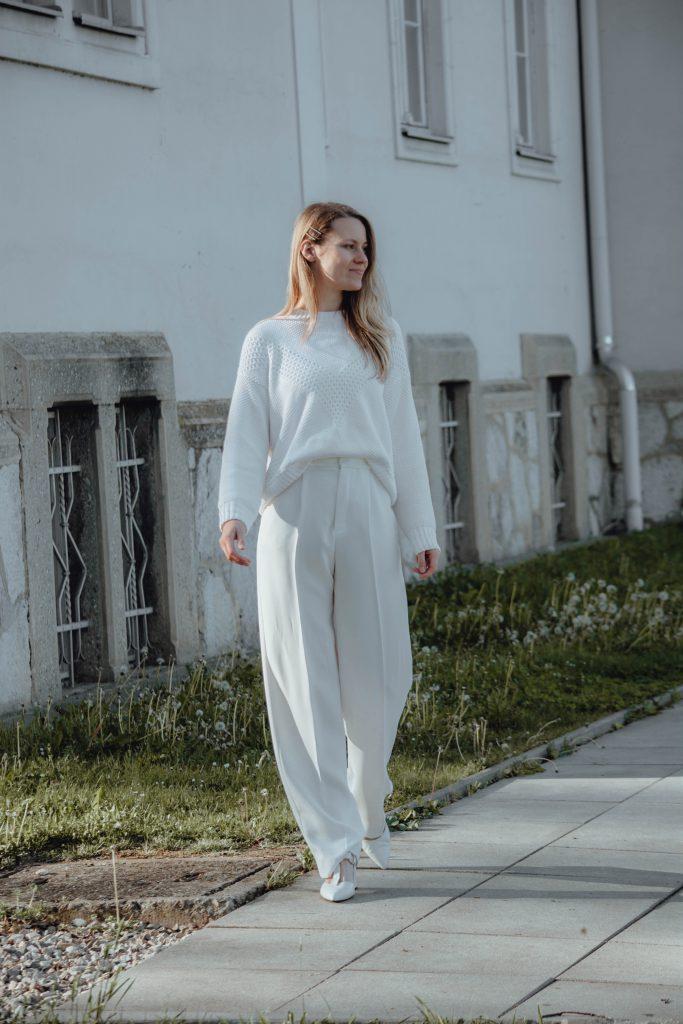 Komplett weißes Outfit